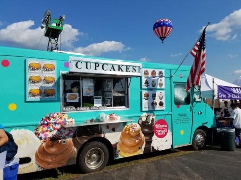 Envelopamento de Food Truck com Logo Freguesia do Ó - Envelopamento para Frotas